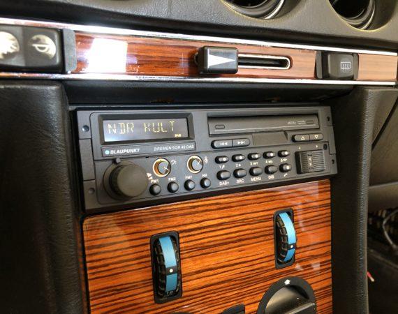 Mercedes SL R107 Retro Radio einbauen