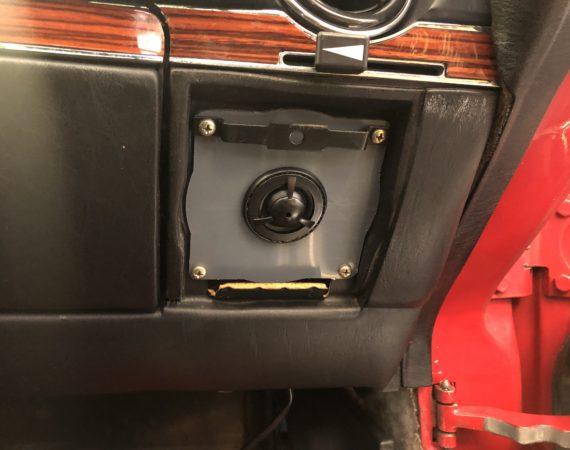 Mercedes SL R107 neue Lautsprecher einbauen