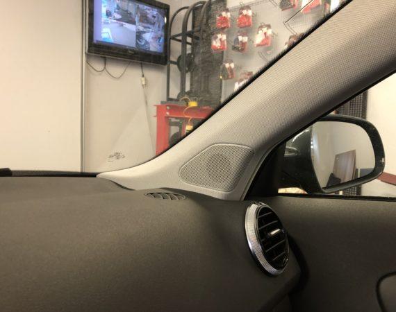 Audi A3 8P neue Lautsprecher einbauen