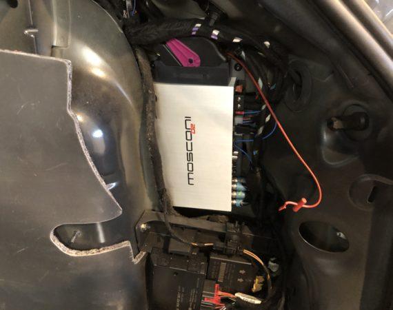Audi A3 8P Verstärker einbauen